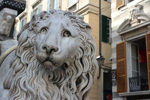 genova leoni cattedrale san lorenzo